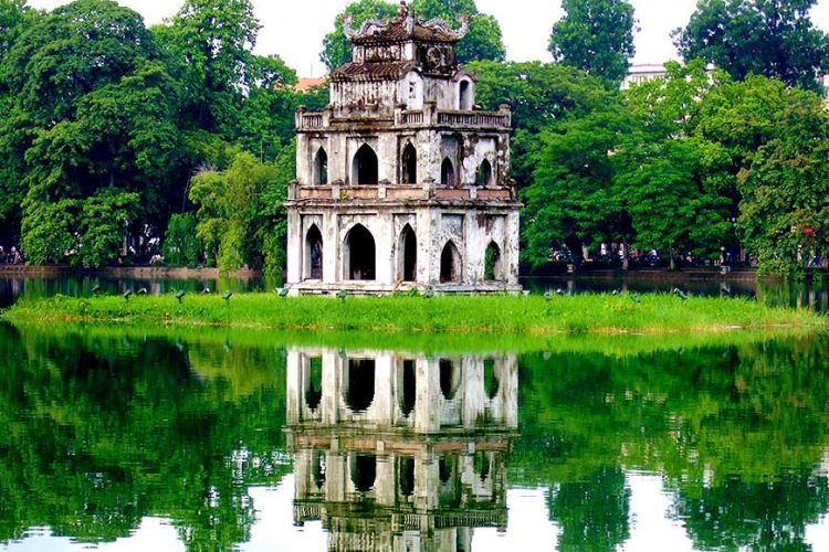 20 DIFFERENCES BETWEEN HO CHI MINH CITY (SAI GON) AND HANOI