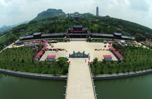 Bai Dinh Pagoda - Trang An Eco Tourism Day Trip